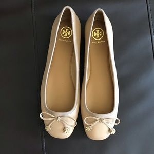 NWT   Tory Burch Laila leather ballet flat